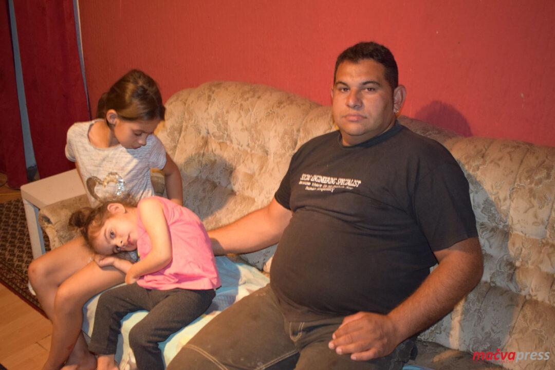Svetlana sa ocem i sestrom 1080x720 - СВЕТЛАНА (4) НЕ МОЖЕ ДА ХОДА, ТРЕБА ЈОЈ ПОМОЋ ЗА ПРВИ КОРАК